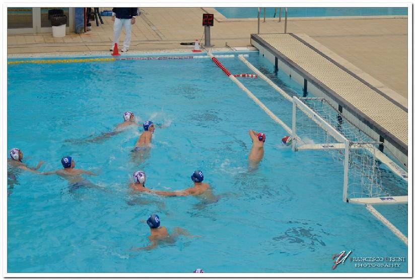 latina-nuoto