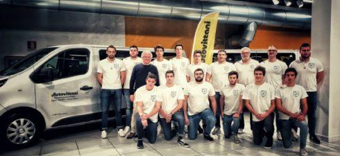 La prima squadra maschile di pallanuoto si è presentata sabato 16 novembre presso la AutoVittani […]